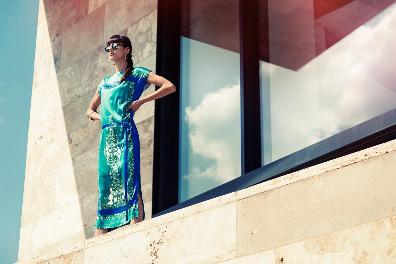 Langes Seidenkleid der Kollektion Ada Lovelace von Coco Lores