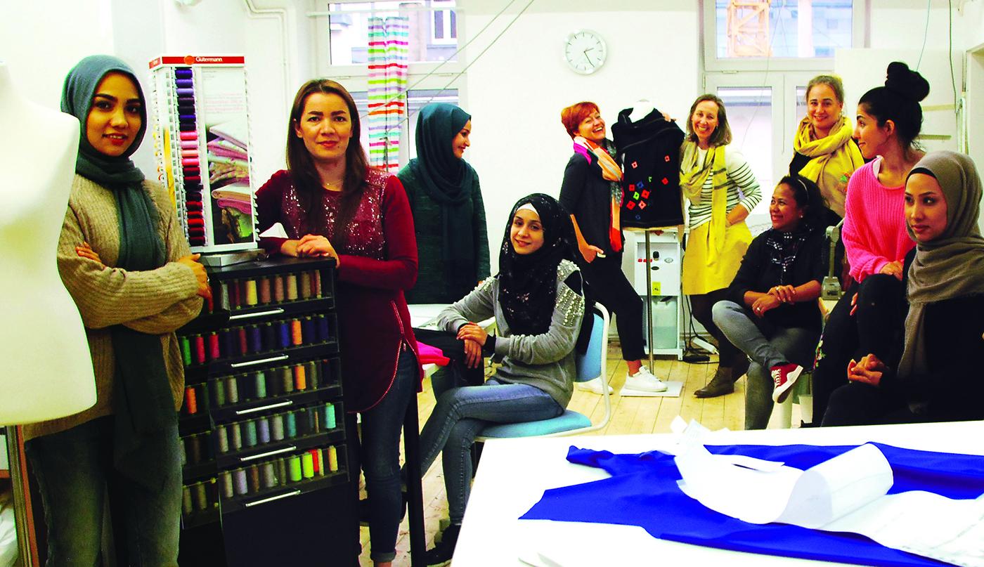 Unsere Näherinnen aus der Produktion in Frankfurt im Projekt Stitch by Stitch