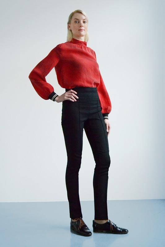 """Business Outfit in Rot und Schwarz der Kollektion """"Tall"""" für große Frauen"""